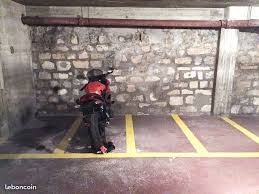 Colocation parking moto